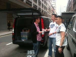 Vincent Delivers Food to Feeding Hong Kong's Partner Agency